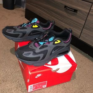 Brand New Never Worn NIKE AIR MAX 200 Shoes